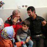 اشک های سخنگوی دولت در بازدید از مناطق زلزله زده آذربایجان