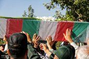 تشییع پیکر 4 شهید گمنام در تبریز
